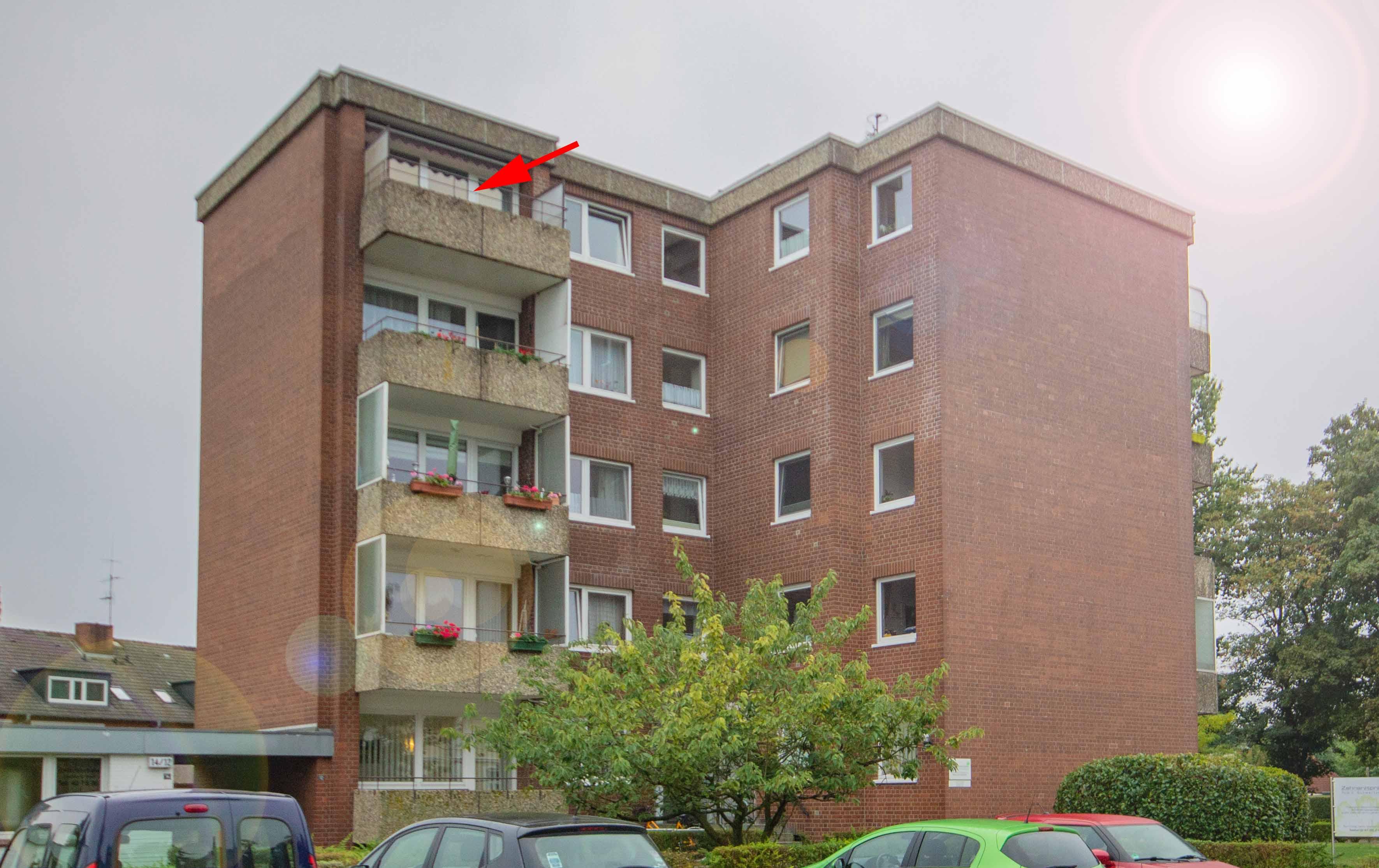 gepflegte eigentumswohnung mit balkon und fahrstuhl hermann kremer immobilien. Black Bedroom Furniture Sets. Home Design Ideas